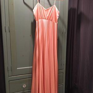 Dresses & Skirts - vintage dress. Peach color💐